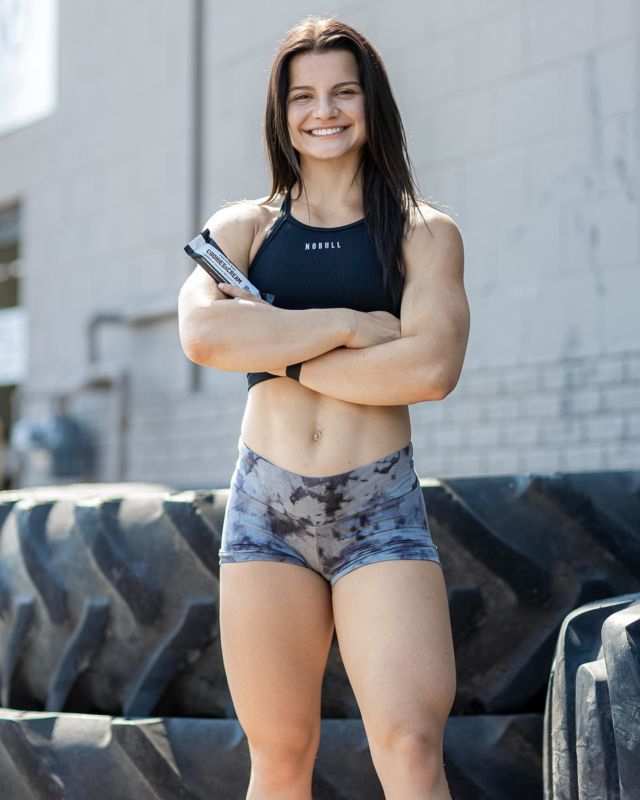 """IN LESS THAN ONE WEEK @malobrien_ 💪  When asked what Mal most looks forward to, she said, """"I am looking forward to pushing my limits & seeing what i'm capable of as this is my first individual games!"""" 🙌  The Games® will take place from July 27th-August 1st in Madison, Wisconsin. Will we see you there? 👀  #TeamBarebells #BarebellsUSA"""